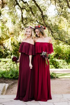 Boho off the shoulder bridesmaid dress, Abigail, from Revelry looks stunning in shades of eucalyptus, pink, blush, dusty blue, and Burgundy for any season or style wedding. Dress your entire bridesmaid squad with matching Abigail, or mix and match various Chiffon bridesmaid dresses from Revelry. Long dresses or order in cocktail length with Revelry's 4 length options. Look no further for a Pinterest worthy bridesmaid dress reserved for the trendiest of weddings. Whether you're looking for a…