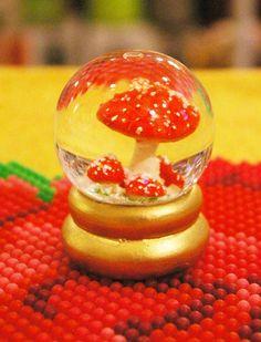 スノーグローブ マッシュルーム toadstool snow globe
