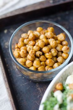 These roasted chickpea crisps are an oil free and low salt recipe, making them a very healthy snack! Chickpea chips are also a high protein high fiber snack Weight Watchers Snacks, Weight Loss, Lose Weight, Bean Recipes, Vegan Recipes Easy, Snack Recipes, Vegan Meals, Vegan Vegetarian, Healthy Snack Recipes