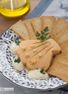 Una selección de recetas de patés que se preparar realmente rápido y son muy práctica para cuando tienes invitados sorpresa en casa...