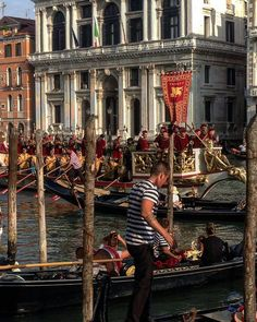#Venice#Venezia [#thisisVenice] :  Corteo Storico  Photo and words  @elvenessian  YOU CAN HELP US SHOWING THE REAL VENICE | Be featured in our gallery: Follow @veneziaautentica  Use#veneziaautentica#thisisvenice#authenticvenice( More info in the commentsection )