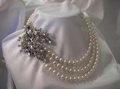 1. Something vintage #modcloth #wedding Pearls.