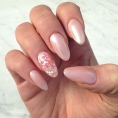A #beautiful crushed #seashell creation fit for a #mermaid! <3 #sparkssalons #pink #princessnails #nails #nailedit #crushedseashells #shells #coral #notd #nailart