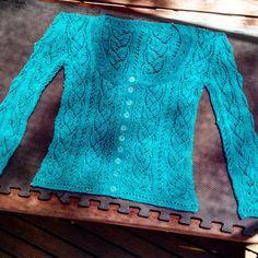 Myrtle, a lacy knit in Bendigo Woollen Mills Luxury 4ply in Aquarium. #ravelry #myrtle #snowdenbecker #lacyknit