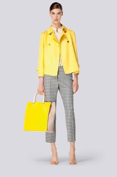 Carolina Herrera - Spring Summer 2014 The yellow Jacket is refreshing. Images of a lovely sunny happy day comes to mind. Carolina Herrera, Casual Outfits, Summer Outfits, Fashion Outfits, Womens Fashion, Casual Chic, Fashion Week, Fashion Looks, Business Outfits