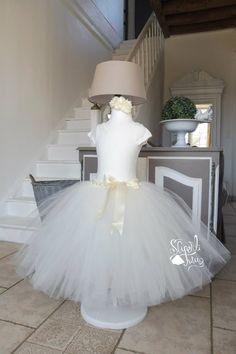 bf0af39b3a30e Superbe robe tutu pour Cérémonies En 2 parties de couleur blanc cassé