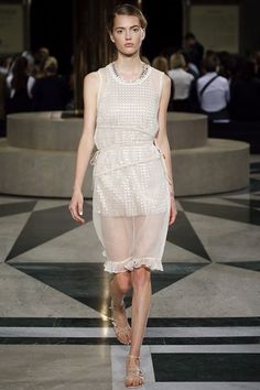 Aquilano.Rimondi - Spring Summer 2016 Ready-To-Wear - Shows - Vogue.it