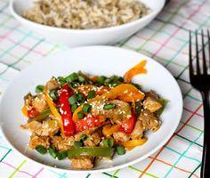 Kuch.com.pl: POLĘDWICA WIEPRZOWA Z PAPRYKĄ I PRAŻONYM SEZAMEM Kung Pao Chicken, Meat, Ethnic Recipes, Food, Essen, Meals, Yemek, Eten