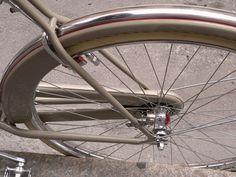 handmade bespoke steel and stainless bicycles; biciclette in acciaio e in acciaio inox fatte a mano su misura; restauri; riparazioni;