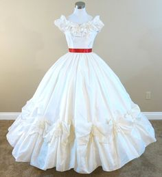 Ivory Ball Gown  http://www.civilwarballgowns.com/new-products/
