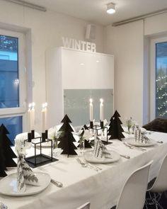 SCHWARZweiß | SoLebIch.de Foto: SOMMERorm #solebich #einrichtung #dekoration #decoration #tischdeko #tabledecoration #weihnachten #christmas