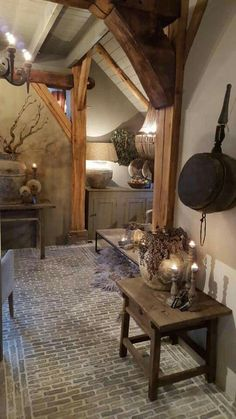 Oude steentjes in patroon gelegd Cottage Interiors, Rustic Interiors, Hygge Home, Brick Flooring, Wood Beams, Modern Rustic, Interior Inspiration, Living Spaces, Sweet Home