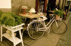 Vintage Cake Home Café