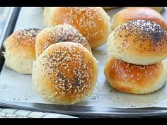 Homemade burger buns recipe with step by step video No fail, easy to make 6 ingredients homemade burger buns with a secret ingredient to keep them soft and fluffy longer. You will never buy burger buns again Bread Recipes, Cookie Recipes, Homemade Burger Buns, Bun Recipe, Homemade Recipe, Dinner Rolls Recipe, Hamburger Buns, Food And Drink, Favorite Recipes