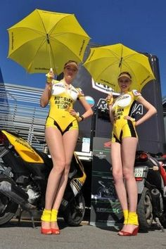 archives race queens, hotess tuning et salon, grid girls et dream cars Grid Girls, Race Car Girls, Formula 1 Girls, Umbrella Girl, Sun Umbrella, Promo Girls, Promotional Model, Dream Cars, Cosplay Outfits