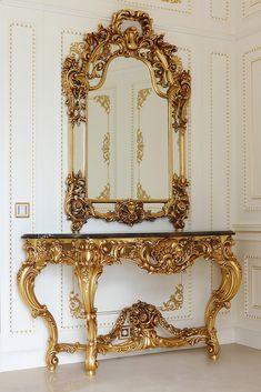 Elegant Italian Baroque Antique Gold Console And Mirror - Juliettes Interiors Rococo Furniture, Gold Furniture, Home Decor Furniture, Luxury Furniture, Furniture Design, Vintage Furniture, Baroque Mirror, Baroque Decor, Baroque Bedroom