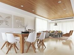 Take a look to some wood and white dining room decor ideas. Elegant Dining Room, Luxury Dining Room, Modern Dining Table, Dining Room Lighting, Dining Room Sets, Best Dining, Dining Room Design, Dining Decor, Dining Tables