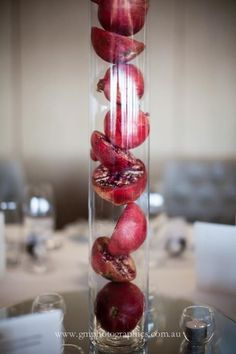 This is a cool idea maybe. With some other type of glass and maybe hanging from the ceiling Rosh Hashana Decorations, Pomegranate Wedding, Edible Fruit Arrangements, Haft Seen, Wedding Decorations, Table Decorations, Decoration Party, Yom Teruah, Yalda Night