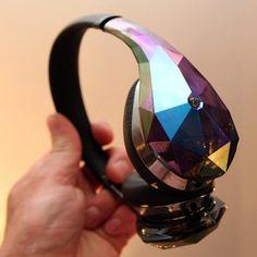 Fancy - Diamond Tears Edge Headphones by Monster Cute Headphones, Bluetooth Headphones, Monster Headphones, Wireless Speakers, Technology Gifts, Technology Gadgets, Electronics Gadgets, Monster E, Cool Gadgets