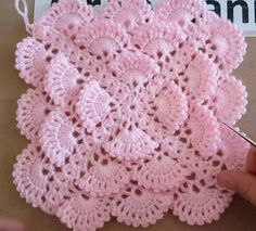 Crochet Blanket Lace Pattern Link 67 New Ideas Crochet Circles, Crochet Motifs, Crochet Stitches Patterns, Crochet Squares, Crochet Designs, Crochet Doilies, Crochet Flowers, Beau Crochet, Baby Blanket Crochet