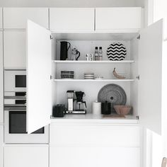 Kitchen Dining, Kitchen Decor, Black And White Interior, Minimal Home, Interior Decorating, Interior Design, Dream Apartment, Marimekko, Organising