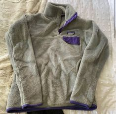 Adorable Patagonia pullover women size small - in good condition Patagonia Fleece Jacket, Patagonia Pullover, Men Sweater, Sweaters, Jackets, Women, Fashion, Down Jackets, Moda