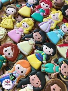 Disney Princess Cookies, Disney Cookies, Frozen Cookies, Cute Cookies, Cupcake Cookies, Sugar Cookies, Sugar Cookie Frosting, Royal Icing Cookies, Mickey Mouse Parties