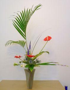 Rikka Shofotai Ikebana Ikebana Flower Arrangement, Flower Arrangements, Floral Designs, Ancient Art, Japanese Art, Bonsai, Wedding Flowers, Tropical, Craft Ideas