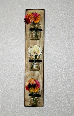 Pallet Mason Jars Hanging Wall - flower vase mason jar – The Unique DIY Mason Jar Decor Ideas which make your home more personality. Collect all DIY Mason Jar ideas on flower vase mason jar, table to Personalize your living space. Mason Jar Projects, Mason Jar Crafts, Diy Projects, Pallet Crafts, Wood Crafts, Diy And Crafts, Diy Pallet, Pallet Ideas, Pallet Wall Decor