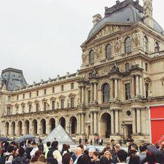 Da da da da dahhh I'm Louvre-ing it (I'm so sorry)