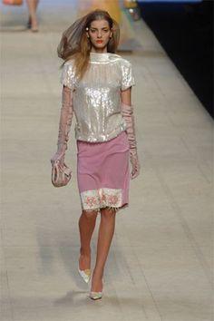 Louis Vuitton Spring 2008 Ready-to-Wear Fashion Show - Denisa Dvorakova