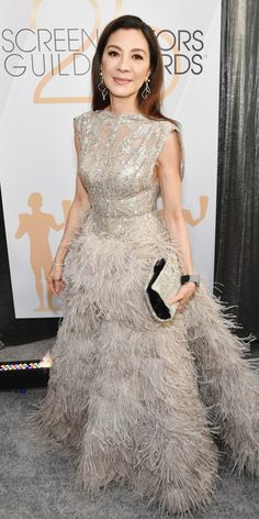 Michelle Yeoh wearing Elie Saab at the Screen Actors Guild Awards Michelle Yeoh, Oscar Dresses, Prom Dresses, Formal Dresses, Formal Wear, Evening Dresses, Wedding Dresses, Elie Saab, Blouse Dress
