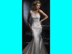 Maggie Sottero S5290 6 1 - I tried this one on but it looks more flattering when in the right size... hmm