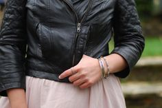chambray and curls // blush and black outfit