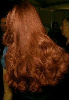 Hair Inspo, Hair Inspiration, Bright Makeup, Simple Makeup Looks, Voluminous Hair, Spring Makeup, Dream Hair, Ginger Hair, Straight Hairstyles