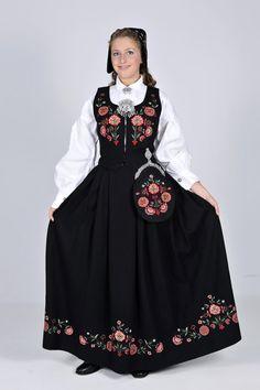 Bardu og Målselvbunad Folk Costume, Costumes, Russia, Beauty, Clothes, Norway, Dresses, Fashion, Beleza