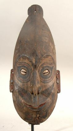 OLD WAR CANOE MASK MIDDLE SEPIK RIVER PAPUA NEW GUINEA