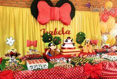 Festa da Minnie e sua turma para comemorar os 2 aninhos da Isabela. Confira os detalhes em Festa de Menina no site www.tudodebem.com.br