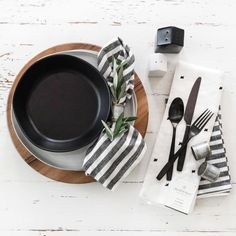 Here are all of the photos and details we know so far about Chip and Joanna Gaines Hearth and Hand with Magnolia line for target Magnolia Kitchen, Magnolia Homes, Magnolia Design, Dining Room Table Decor, Kitchen Decor, Kitchen Dining, Chip And Joanna Gaines, Fixer Upper, Hearth