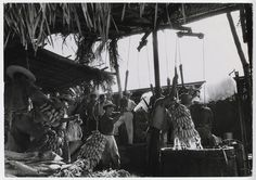[Dock workers loading bananas for United Fruit Company, Puerto Barrios, Guatemala]