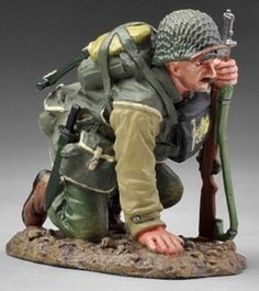 World War II U.S. 2nd Ranger Battalion USA004A Kneeling Ranger Dry Look - Made by Thomas Gunn Military Miniatures and Models. Factory made, hand assembled, painted and boxed in a padded decorative box. Excellent gift for the enthusiast.