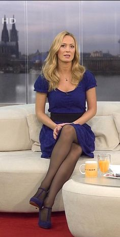 Tv frauen in nylons