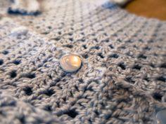 DIY – hæklet baby trøje   Tøse-streger Pearls, Diy, Fashion, Moda, Bricolage, Fashion Styles, Beads, Do It Yourself, Fashion Illustrations