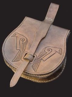Viking bag. Use the raven design for Aldric's next tunic?