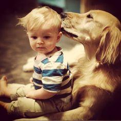 Este perro que & # 39; s muy generoso con dar besos.