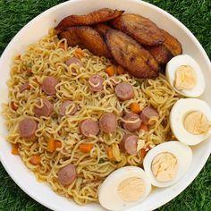 "Mizs Emmy🌹🦄✨👑 on Instagram: ""❤️❤️❤️❤️❤️❤️❤️❤️❤️❤️❤️❤️❤️❤️❤️ Where food lies is, love is abundant 💃💃💃🥰😎"" Jollof Rice, Paella, Ethnic Recipes, Food, Essen, Meals, Yemek, Eten"