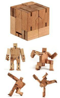 Wooden Robot Man gemaakt van beukenhout