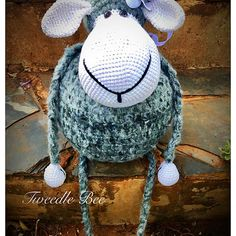 Tweedle Bee | South Africa | Hand Made Crochet Products and Art Mural Painting, Custom Paint, Crochet Baby, Handmade Gifts, Hats, Beautiful, Products, Handcrafted Gifts