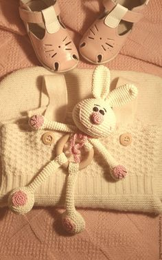 Ideas Toys Soft Bear Patterns For 2019 Bunny Crochet, Crochet Baby Toys, Crochet For Kids, Crochet Animals, Crochet Dolls, Baby Knitting, Knit Crochet, Amigurumi Patterns, Crochet Patterns