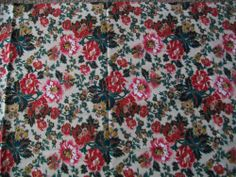 2 Yards Flower Gold Highlights Xmas Fabric Sheryl Ro Collection for SSI Material #SSI